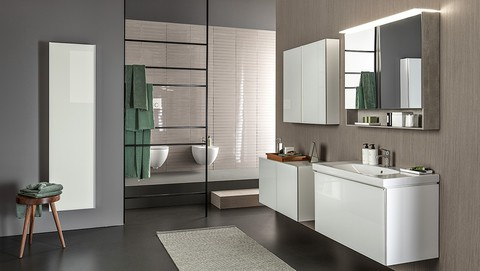 Modern bathroom with Geberit Sigma21 in white glass